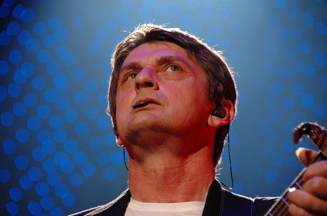 Mike Oldfield ~ image from official website
