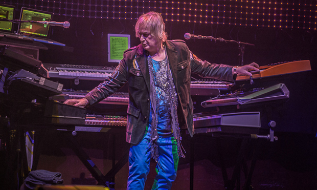 Yes, - Geoff Downes. Photo by Mike Evans