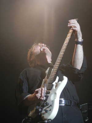 Buck Dharma 1 - photo by Tom O'Hanlon