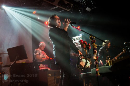 Marillion 2 - Photo by Mike Evans