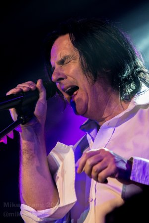 Marillion - Steve Hogarth 2 - Photo by Mike Evans