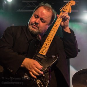 Marillion - Steve Rothery 2 - Photo by Mike Evans