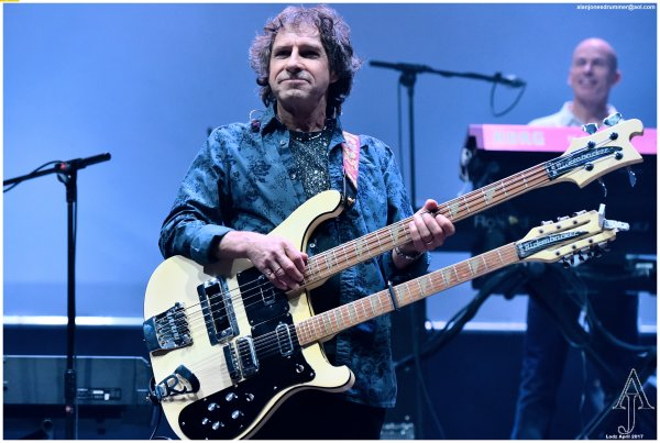 Pete Trewavas, Marillion - photo by Alan Jones, Web UK