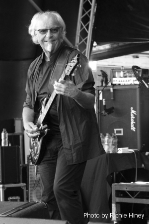 Martin Barre photo by Richie Hiney