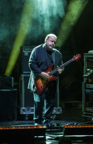 Steve Rothery, Liverpool Philharmonic 1st Nov 2019 - by Mike Ainscoe